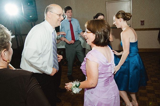 brides-parents-dancing-at-wedding-reception