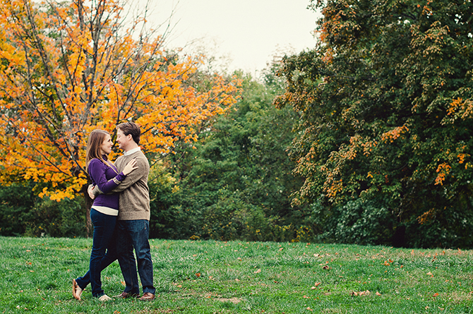 engagement portrait fall colors in cincinnati