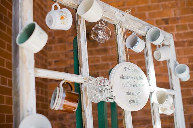 diy wedding mug display
