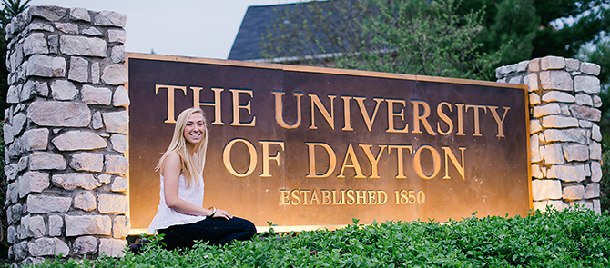 high school senior photos at university of dayton