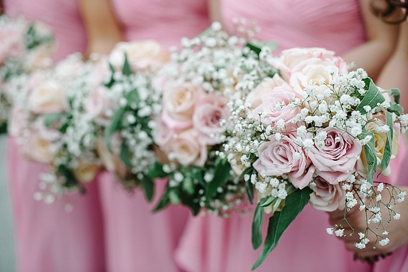pink and white bridesmaids bouquets