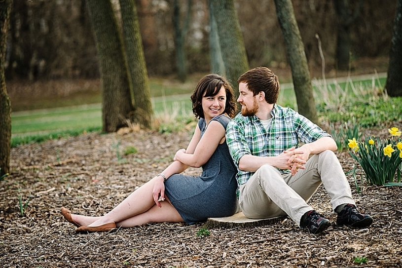 natural casual engagement photography